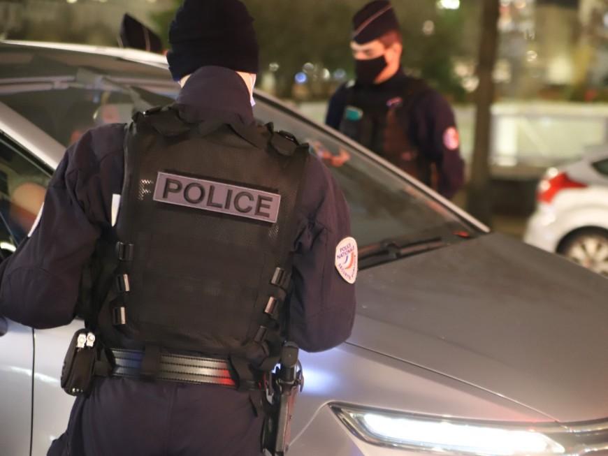 Vénissieux: il sort du point de deal chargé de cannabis et enchaîne les infractions en voiture