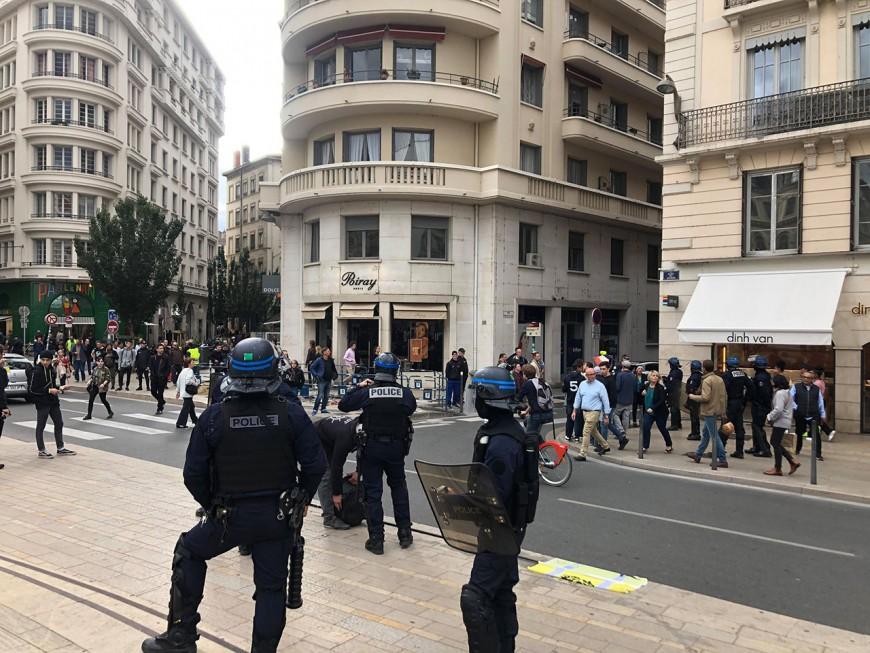 Gilets jaunes : un petit cortège en centre-ville de Lyon pour l'acte 47