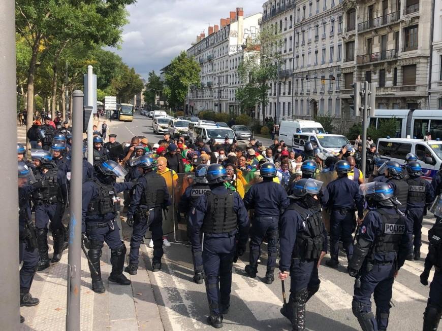 Lyon : des opposants au régime camerounais manifestent
