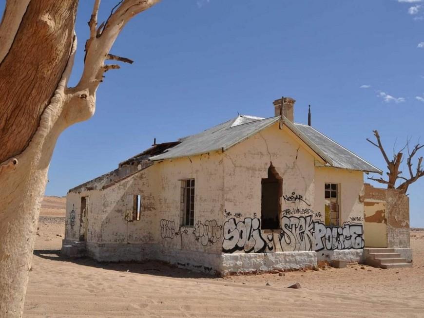 Polémique : des graffeurs lyonnais accusés d'avoir vandalisé un bâtiment historique en Namibie