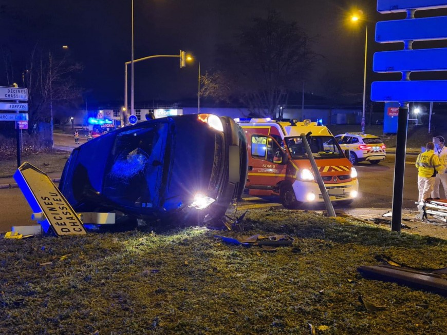 Près de Lyon : deux blessés dans un accident, un conducteur prend la fuite