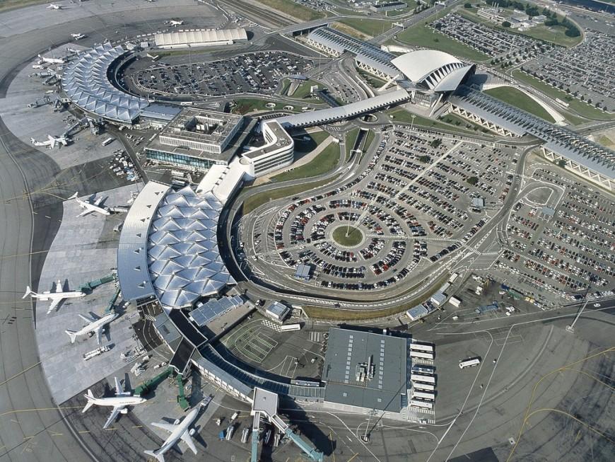 Gel des salaires et suppression d'un emploi sur 10 à l'aéroport Lyon St Exupéry