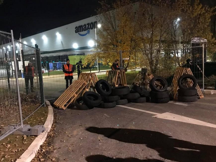 Black Friday : deux entrepôts d'Amazon ciblés par des blocages près de Lyon