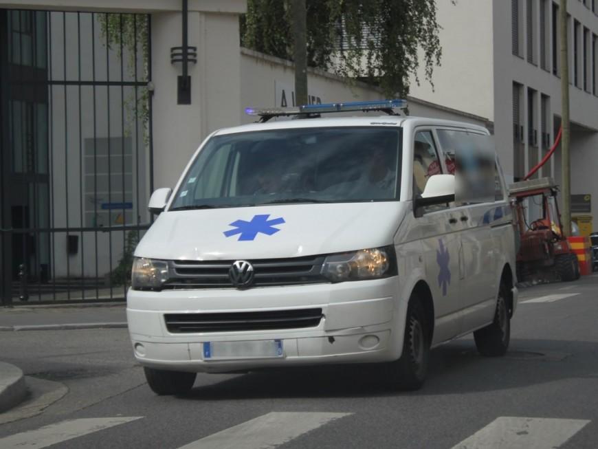 Un ambulancier lyonnais contrôlé à 192 km/h sur l'A43