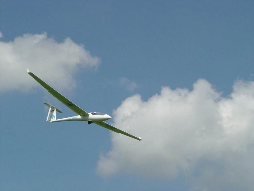Rhône : un pilote de planeur se tue lors d'un crash