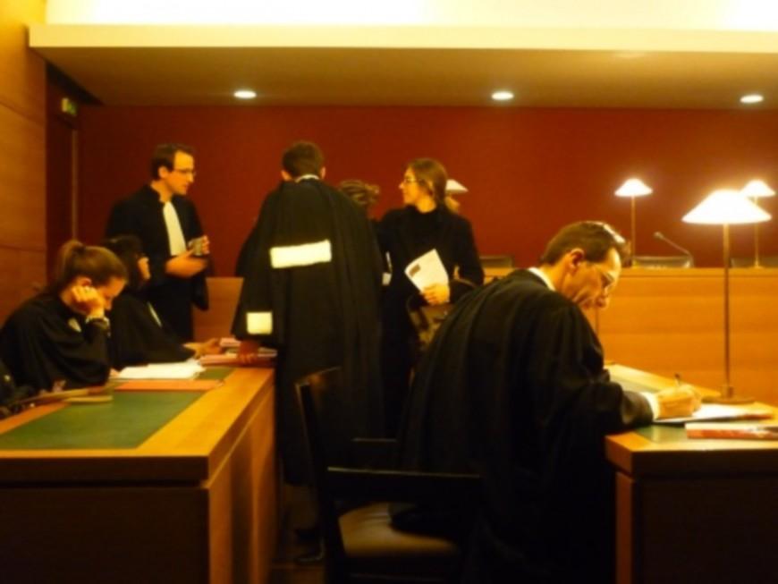 Lyon : les avocats réunis dans l'ancien bâtiment des archives