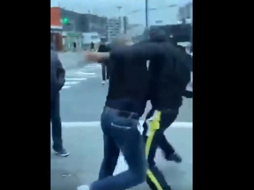 Villeurbanne: un chauffeur TCL se bat avec un passager devant des passagers médusés - VIDEO