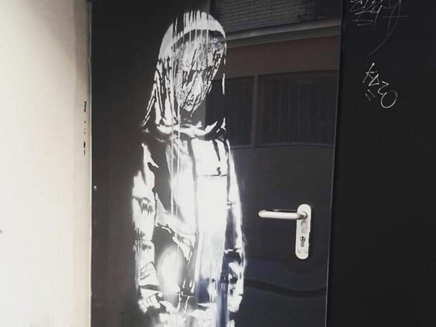 Oeuvre de Banksy volée au Bataclan: des interpellations dans le Rhône et en Isère