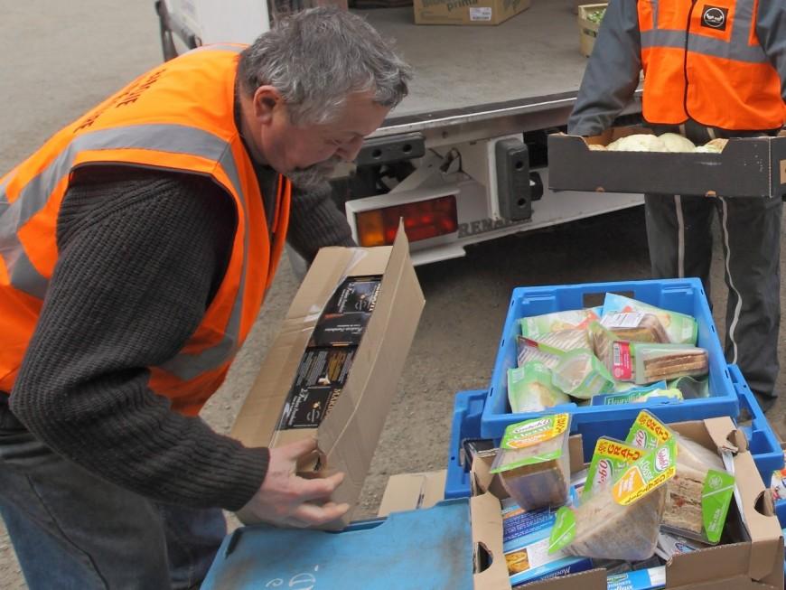 2,5 tonnes de sandwiches récupérées par la Banque Alimentaire du Rhône pendant l'Euro 2016