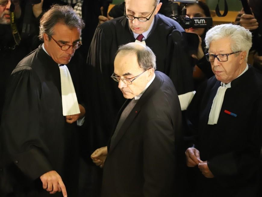 Affaire Preynat : un ancien prêtre aurait averti le cardinal Barbarin dès 2002