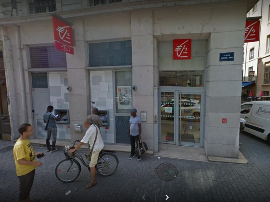 Son rendez-vous à la banque se déroule mal, le Lyonnais saccage les lieux