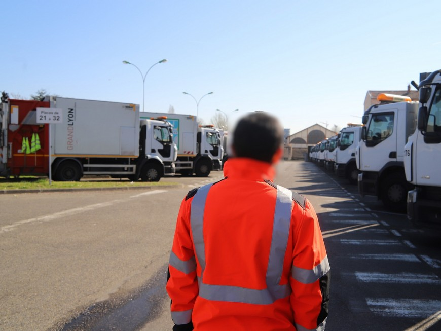 Grève des éboueurs : après l'échec des négociations, l'intersyndicale retire son préavis