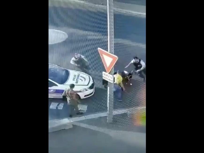Vaulx-en-Velin : ivres, ils chutent de leur scooter devant le commissariat (VIDEO)