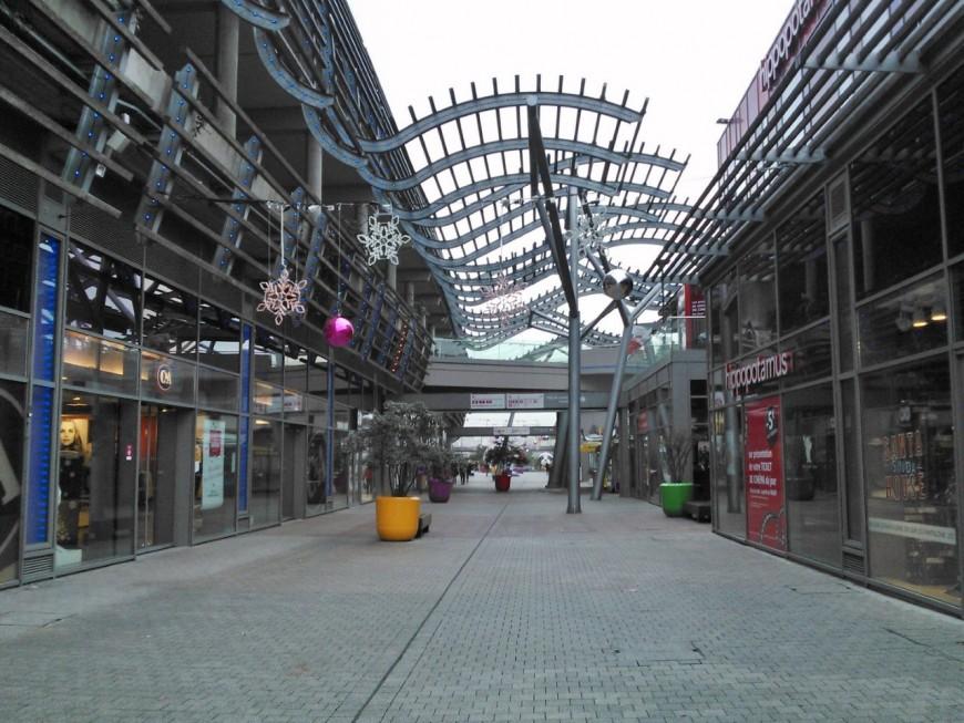 Carrefour, Mini World Lyon et une salle de sport pour relancer Carré de Soie
