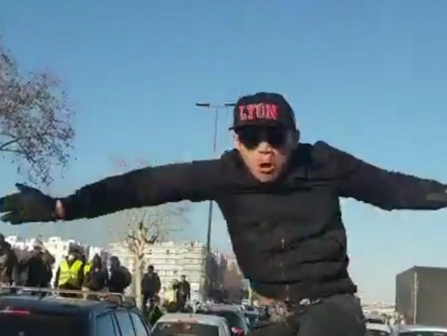 Fourgon de police caillassé à Lyon : huit mois ferme pour un casseur