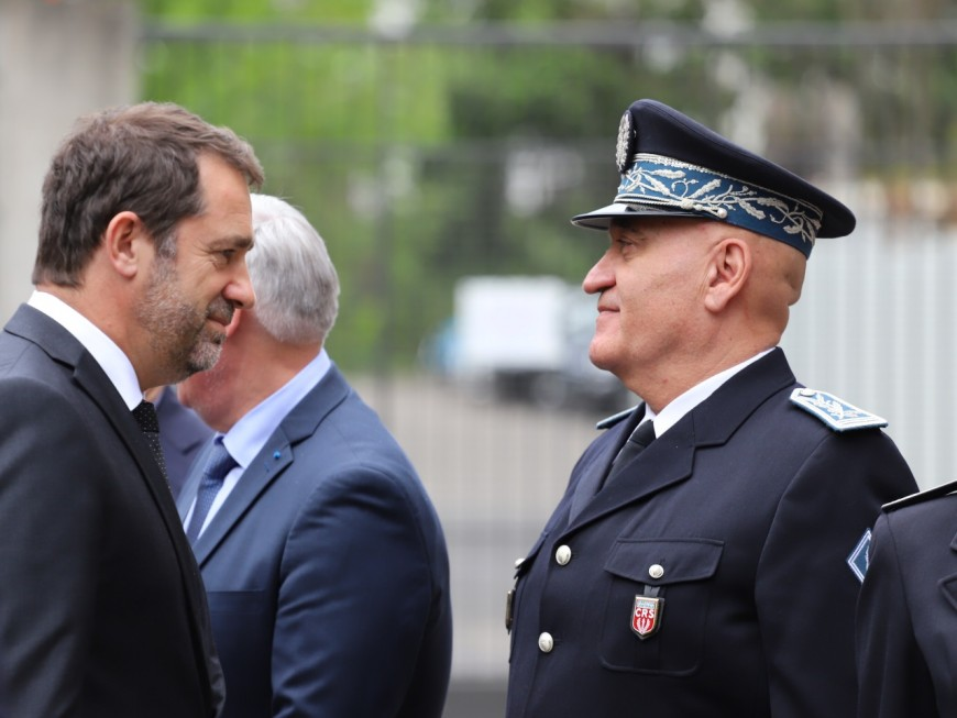 Colis piégé à Lyon : Collomb et Castaner trop bavards selon le procureur de la République de Paris