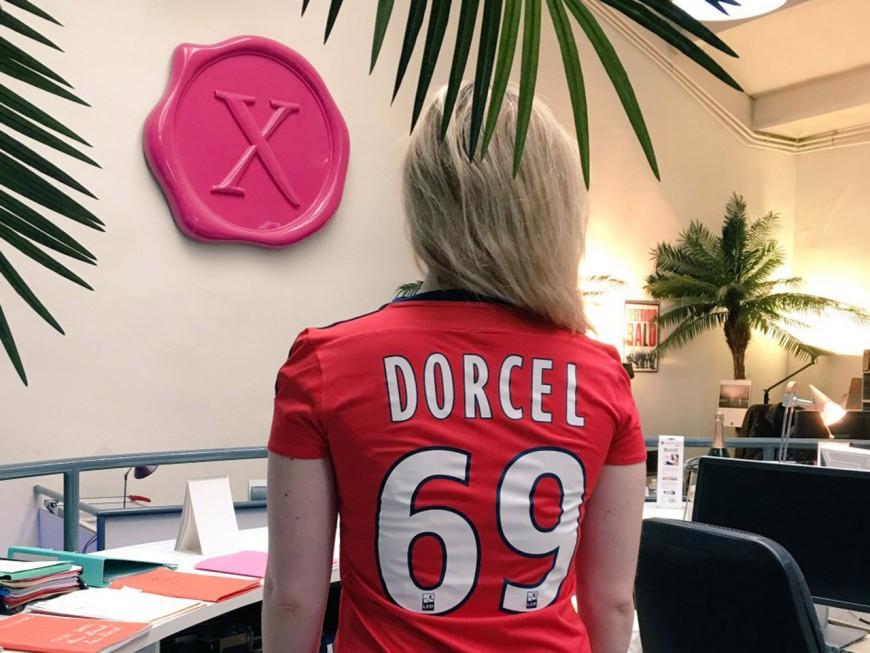 Un maillot floqué 69, le cadeau clin d'oeil de l'OL à Marc Dorcel