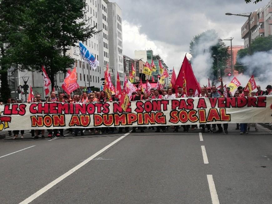 300 cheminots défilent à Lyon contre le dumping social