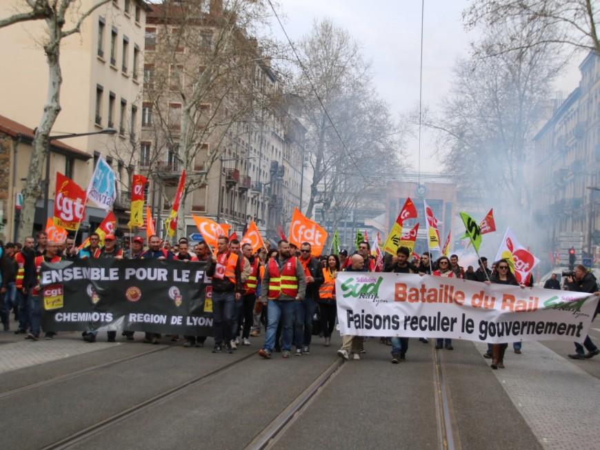 Grève à la SNCF : 700 cheminots manifestent à Lyon