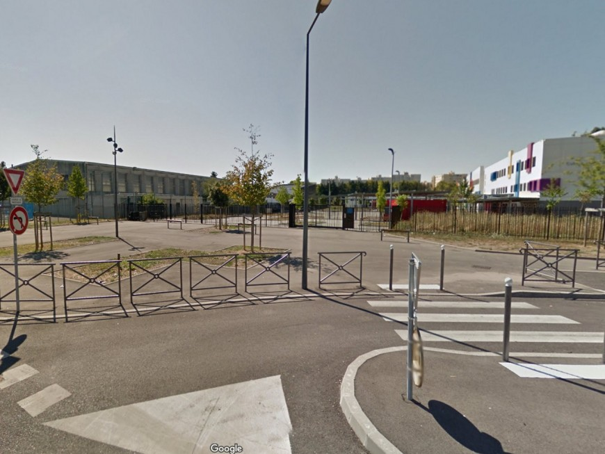 Une grève pendant le brevet dans un collège de Vaulx-en-Velin