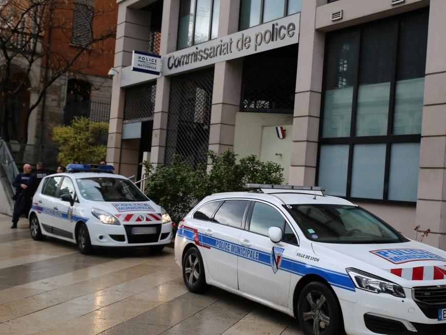 Les commissariats d'Auvergne-Rhône-Alpes vont rendre hommage à Xavier Jugelé