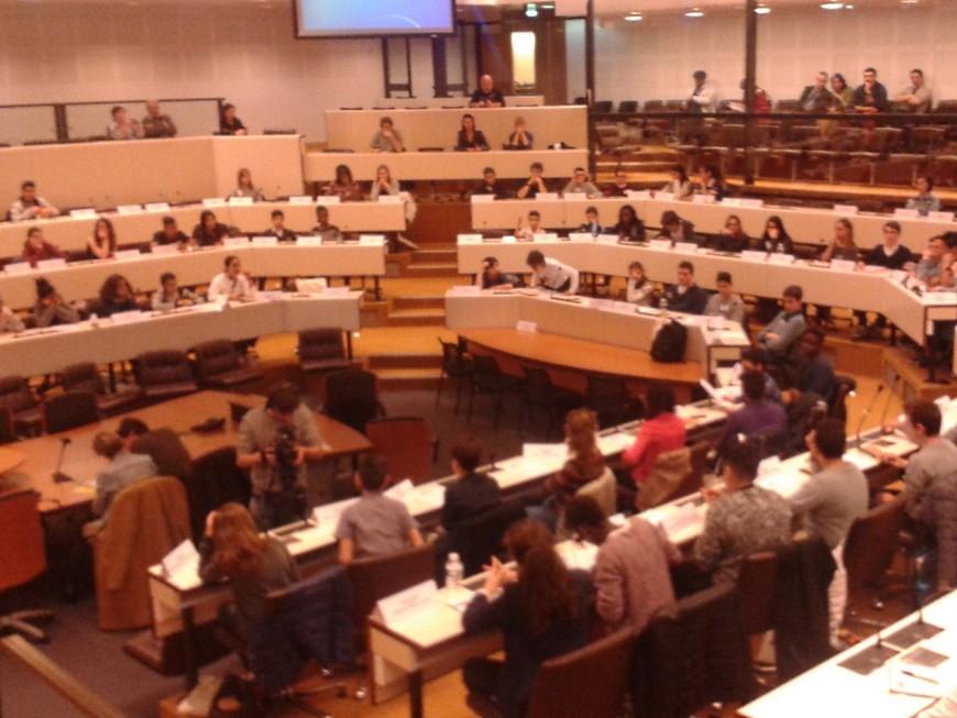 Le premier Conseil communautaire des jeunes installé dans la Métropole de Lyon