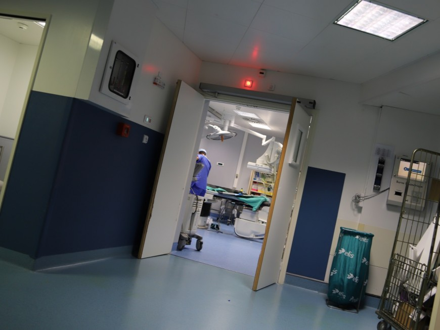 Covid-19 : le Rhône enregistre plus de 100 nouvelles hospitalisations en 24 heures