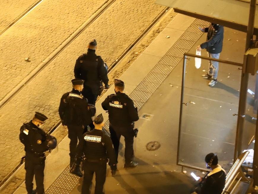 Covid-19 : le couvre-feu à 18h en vigueur dès samedi dans le Rhône et partout en France