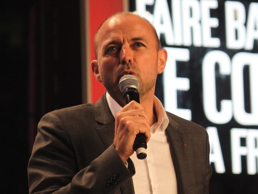 """""""Gérard Collomb a pris une décision qui va le marquer de façon indélébile"""", selon Jean-François Debat"""