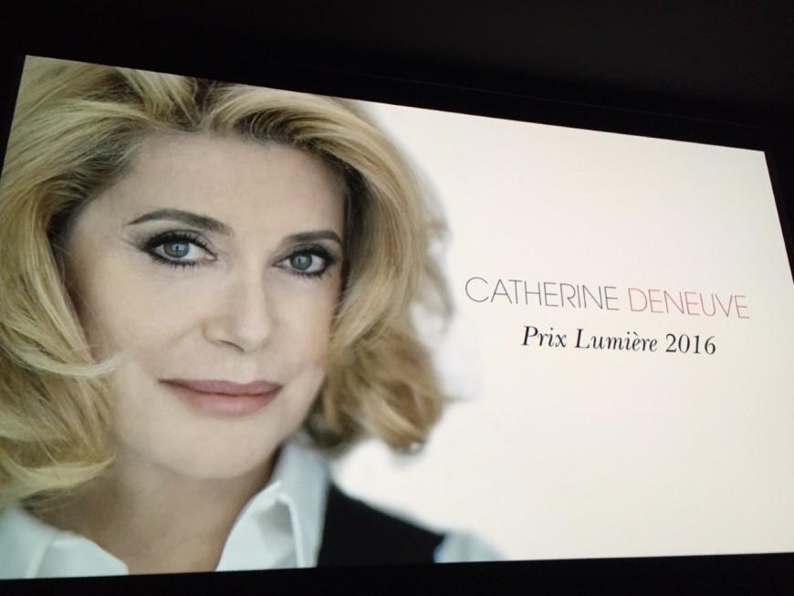 Catherine Deneuve, un premier Prix Lumière féminin