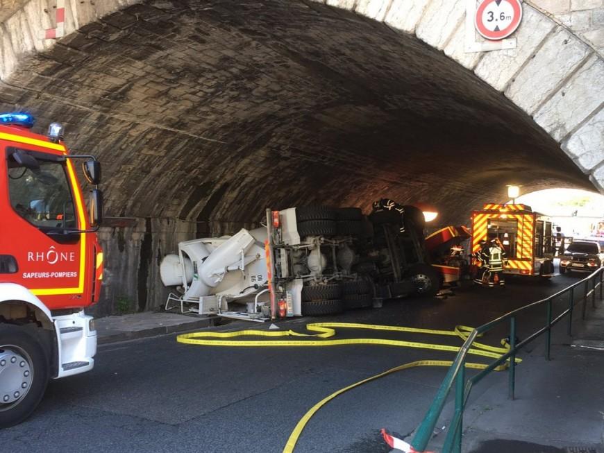 Lyon : un blessé grave après l'accident d'une toupie de béton