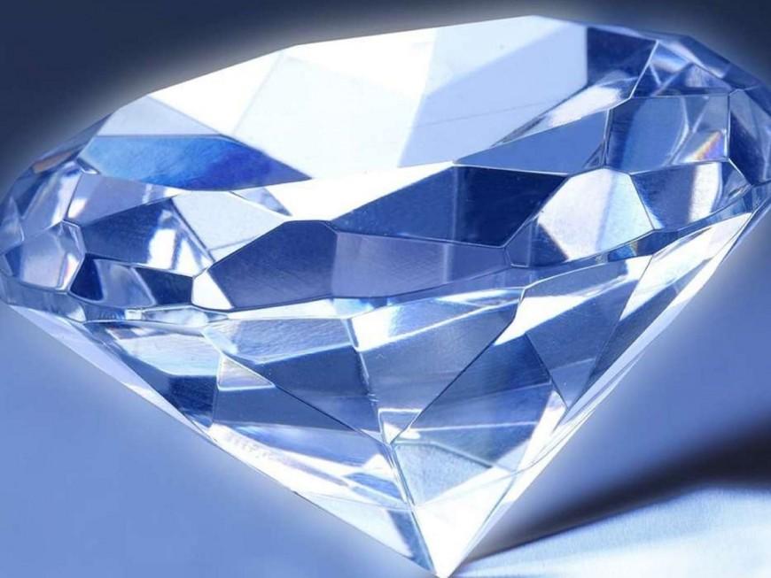 Lyon : vaste affaire d'escroquerie aux placements financiers sur des diamants ?