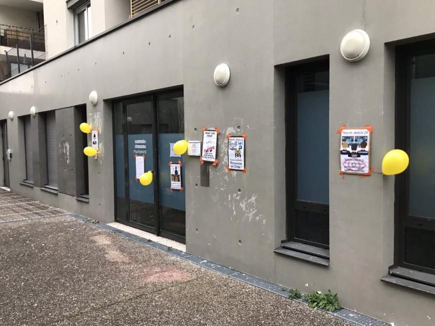 Près de Lyon : la permanence du député Jean-Luc Fugit prise pour cible par les Gilets Jaunes