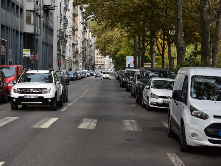 Lyon : des places de stationnement supprimées, les riverains du cours d'Herbouville en colère