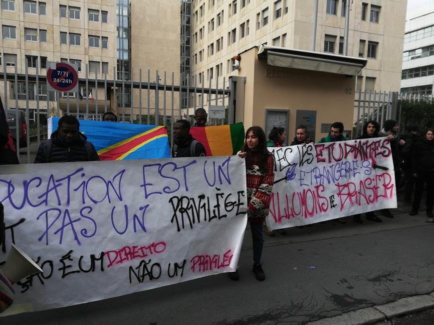 Lyon : manifestation des étudiants étrangers contre la hausse de leurs frais d'inscription