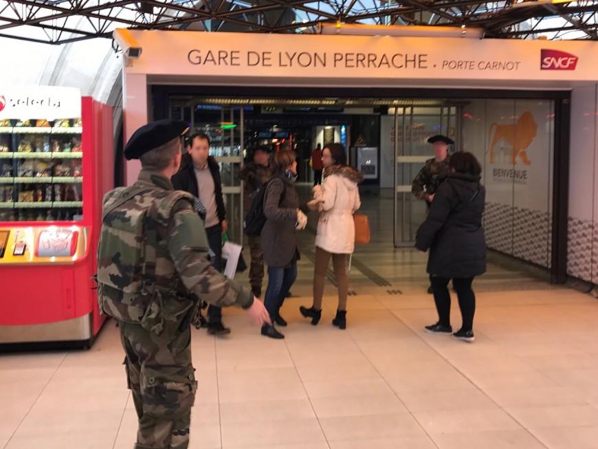 Lyon : une partie de la gare de Perrache bouclée par les militaires à cause d'un colis suspect