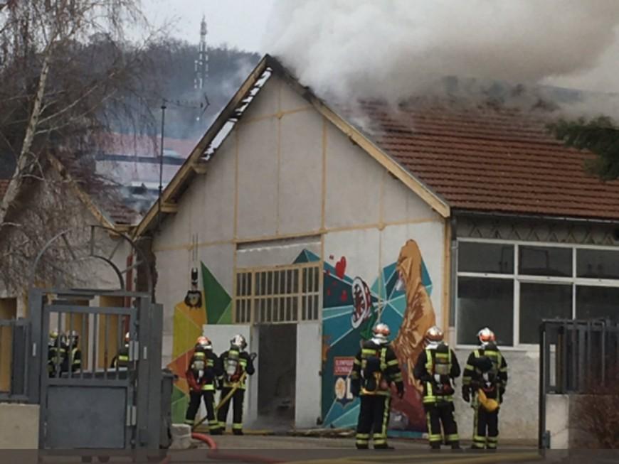 Violent incendie dans une école de Givors ce lundi matin