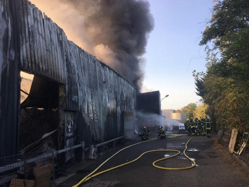 Près de Lyon : un atelier prend feu à Limas