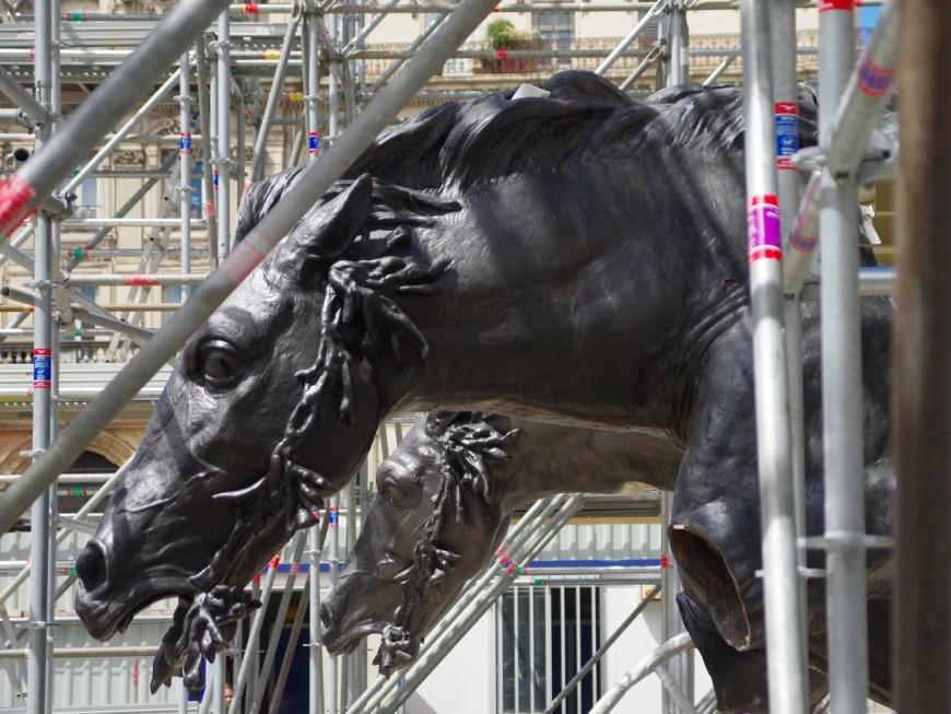 Les chevaux de Bartholdi de retour sur la fontaine de la place des Terreaux à Lyon
