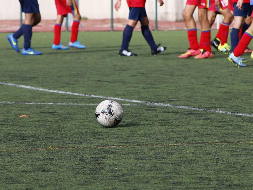 Le foot moins en vogue en Auvergne-Rhône-Alpes – [Carte interactive]