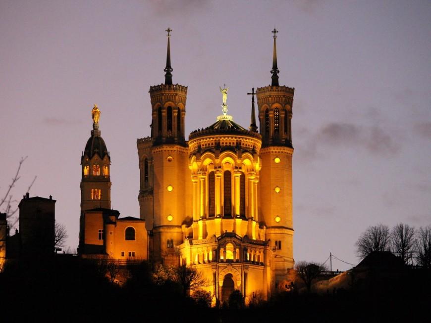 Coronavirus : Lyon bénie depuis la basilique de Fourvière ce mercredi