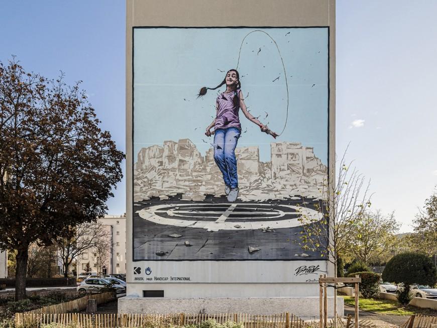 """Lyon : un nouveau mur peint dans le 8e pour """"susciter le dialogue"""""""