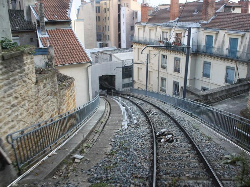 Lyon : la circulation du funiculaire Saint-Just arrêtée à cause de tags