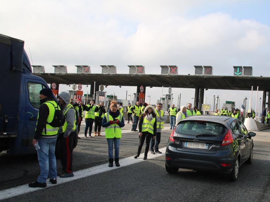 Opération péage gratuit sur le périph Nord : les gilets jaunes toujours mobilisés dans le Rhône