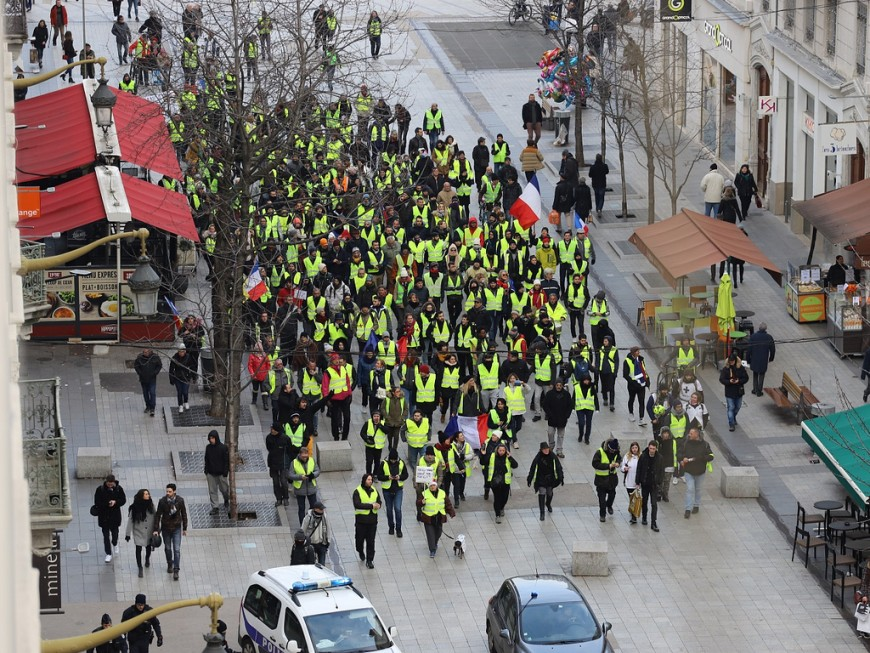 Gilets jaunes : la Ville de Lyon prend des mesures pour aider les commerces