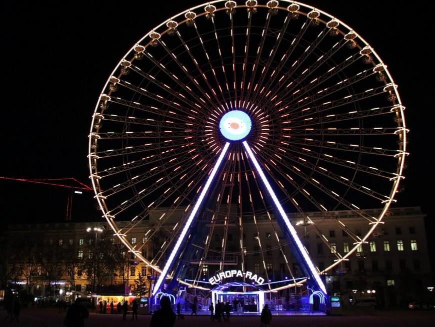 Lyon : elle ne supporte plus la Grande Roue, une habitante de la place Bellecour devant la justice