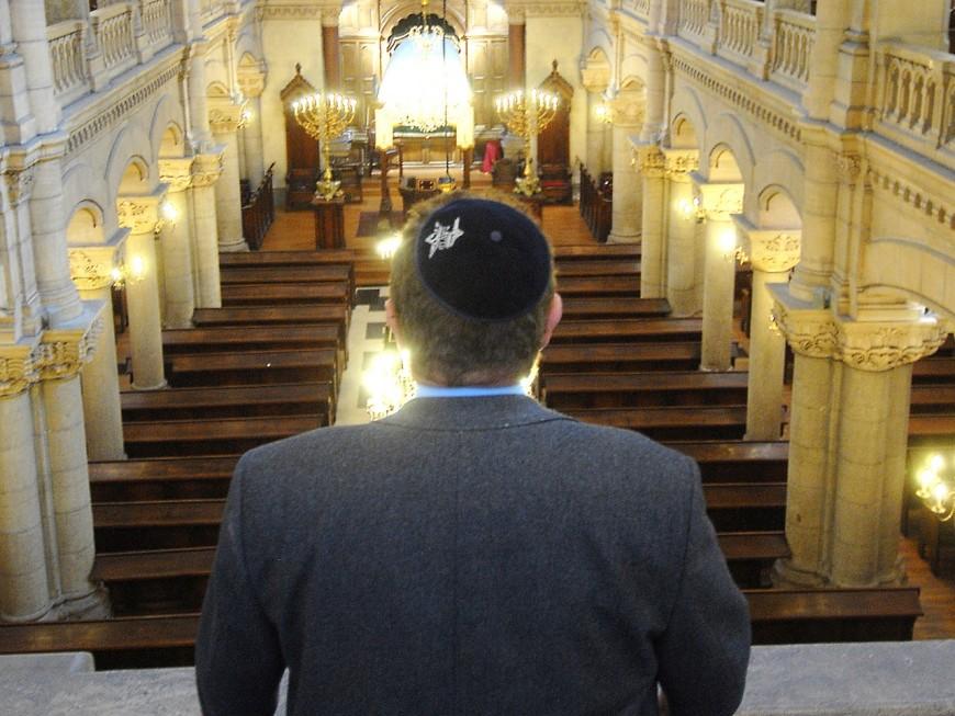 Pour le grand rabbin de Lyon, enlever sa kippa n'est pas une solution