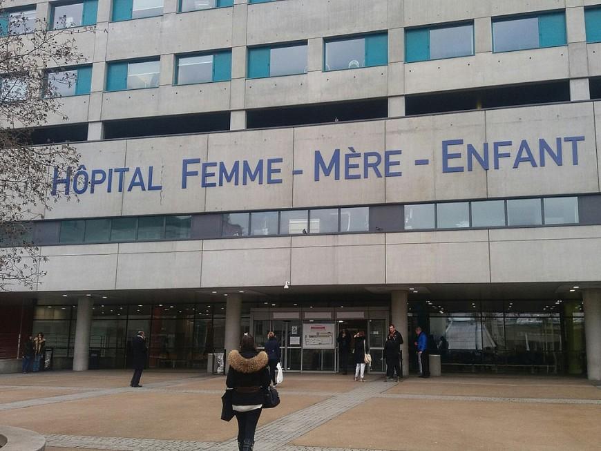 Une fillette de deux ans hospitalisée à Lyon après une chute de cinq étages