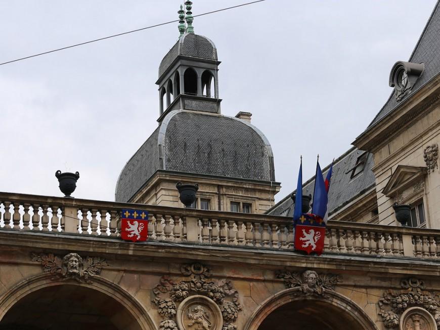 L'Hôtel de Ville de Lyon en bleu ce mardi soir !