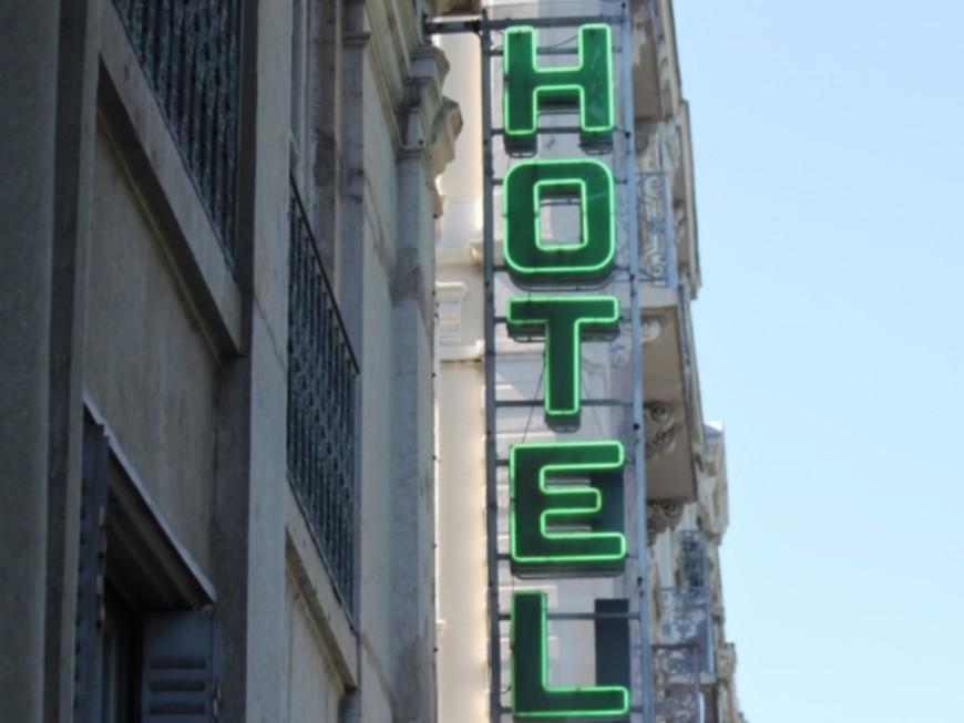 Lyon : blessé par un pommeau de douche, un routier attaque un hôtel en justice